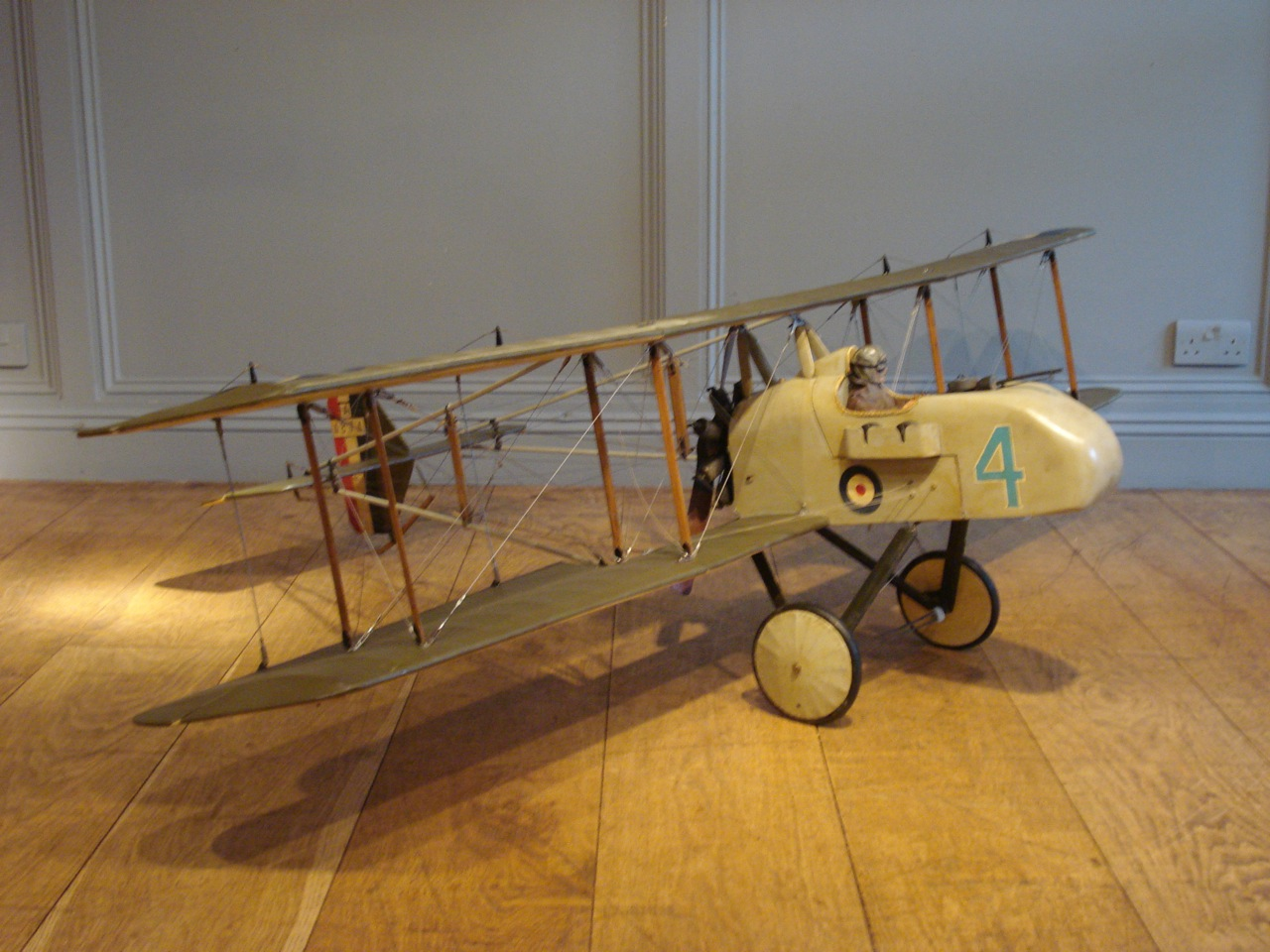 SOLD/HIGH QUALITY VINTAGE MOTORIZED MODEL KIT AIRCRAFT/FARMAN